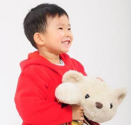怎么治疗小孩口吃结巴