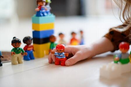 4岁小孩说话不清晰是什么原因