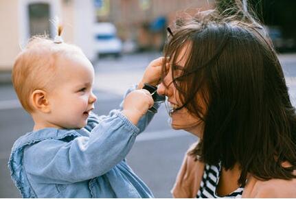 孩子大舌头多大适合割